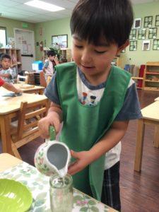 モンテッソーリ教育① 花を生ける